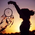 Đẹp mê hồn với những hình xăm dreamcatcher đầy màu sắc