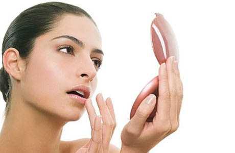 Xăm môi bị hỏng 1