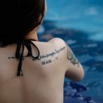 Xóa hình xăm có đau không, có an toàn và để lại sẹo không?